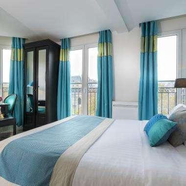 Cluny Square - Double Balcony Room