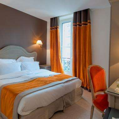 Cluny Square - Double Room