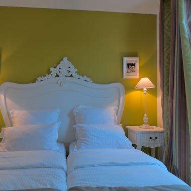 Cluny Square - Twin Room